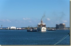 Ft  Lauderdale tugs and freighter (Small)