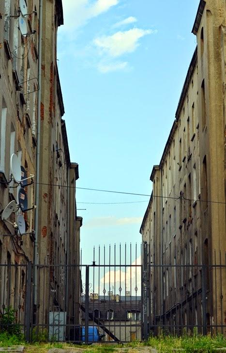 gate satellite dishes