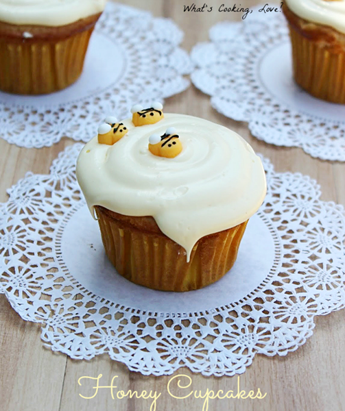 Honey Cupcakes with Bees | DETAILS