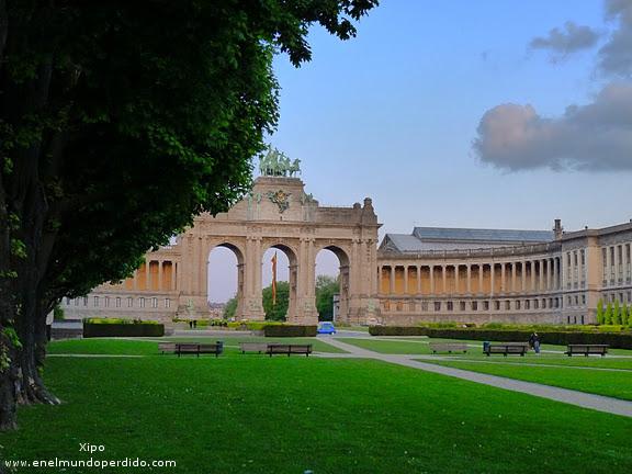 arco-parque-cincuentenario-bruselas.JPG