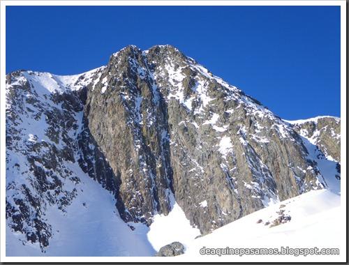 Intento al Corredor Nefropatia 200m D  90º (Pico Piedrafita 2965m, Pirineos) (Isra) 7538