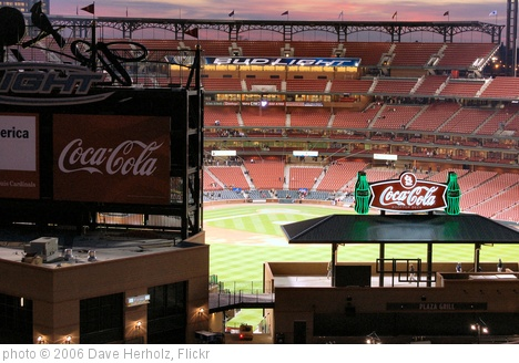 'Busch Stadium 008' photo (c) 2006, Dave Herholz - license: http://creativecommons.org/licenses/by-sa/2.0/