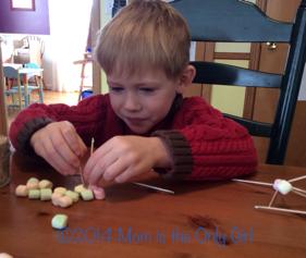 Mini marshmallow education for preschoolers at https://momistheonlygirl.com
