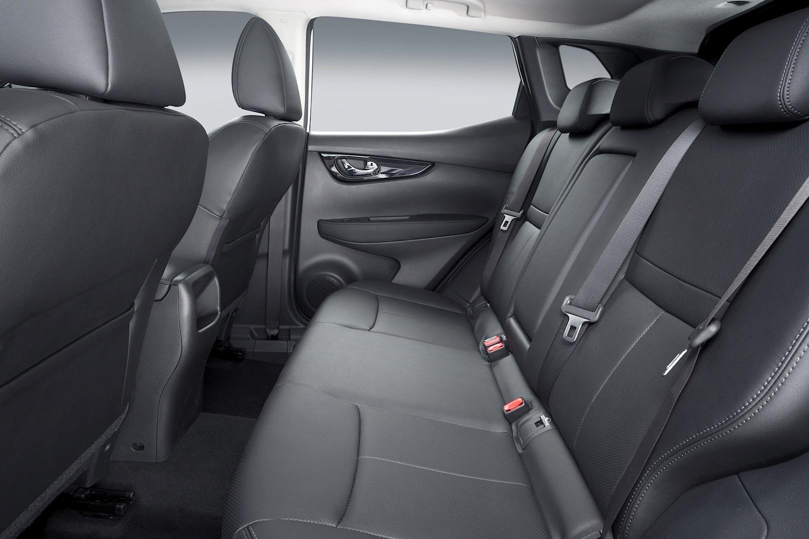 Nissan-Qashqai-2014-30.jpg