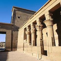 24 - Interior de templo en el Valle de los Reyes