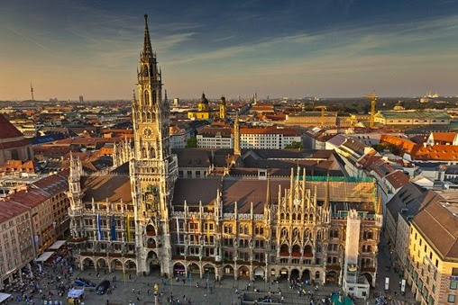 181109_Munich_Marienplatz_Rathaus_overview_sunset_362-2