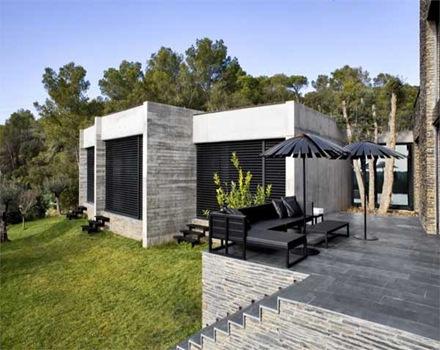 fachada-piedra-casa-arquitectura-Mont-ràs-