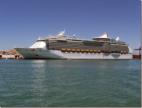 Navigator_of_the_Seas,_Puerto_de_la_Bahía_de_Cádiz