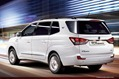 2014-SsangYong-Rodius-3