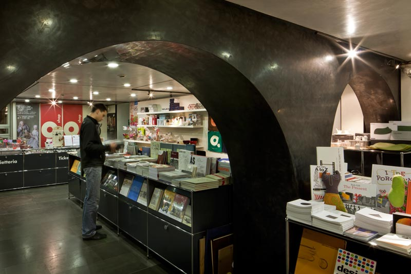 Bookshop 1 ©ORCH chemollo