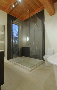 Baño-moderno-casa-arquitectura-sostenible-Pierre-Cabana