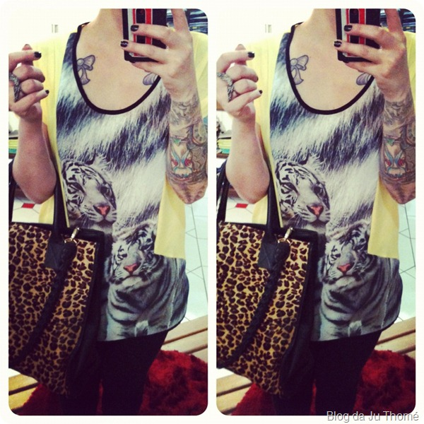 look detalhes estampa de tigre e bolsa em animal print