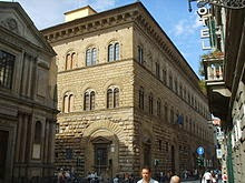 220px-Palazzo_medici_riccardi_33