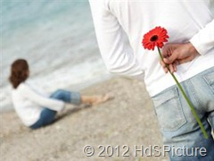 ketika anda mencintai seseorang, anda harus berani. Salah satunya adalah berani mengungkapkan cinta kita kepadanya