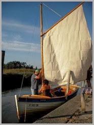 Chegada do barco dobrar velas