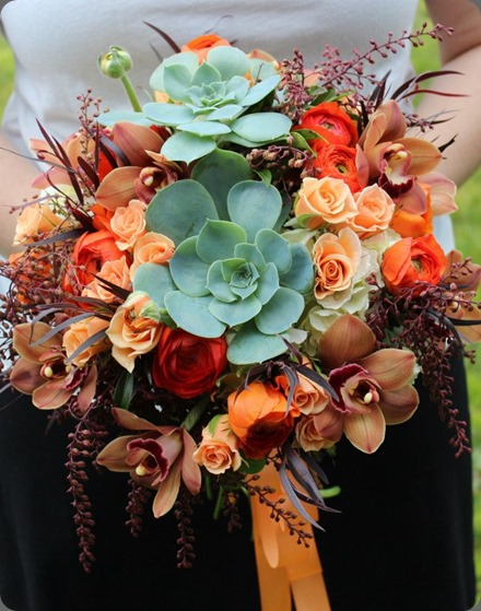 307900_465851116813477_897209160_n sophisticated floral designs