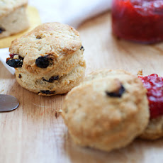 Crumbliest Scones