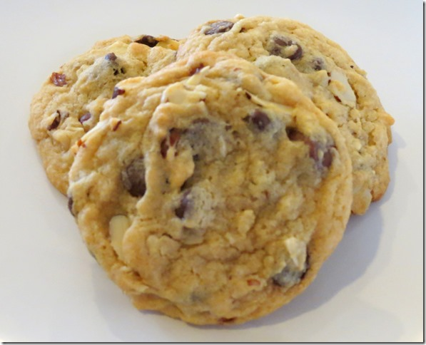 Almond Lovers' Chocolate Chip Cookies 3