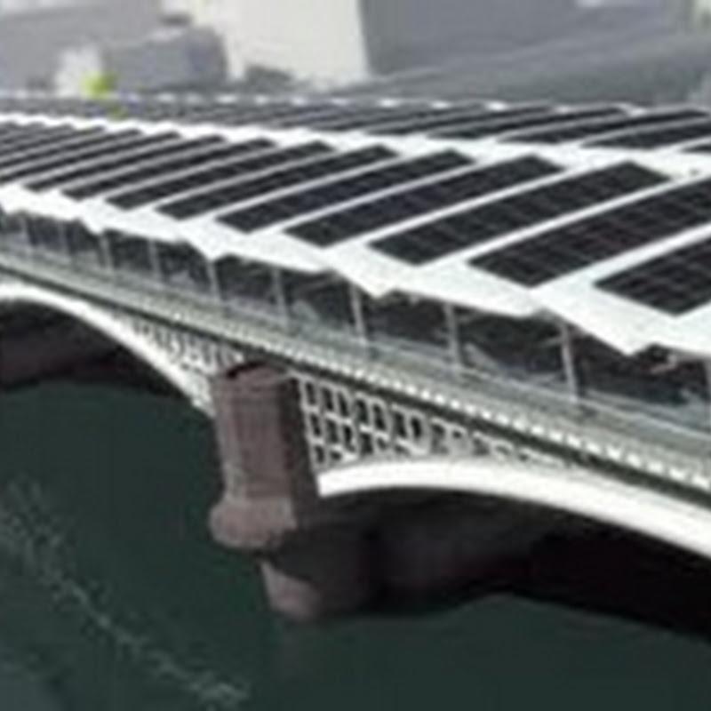 El puente solar más largo sobre el río Támesis, en Londres