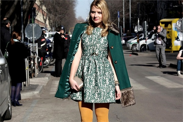 thecoloursofmycloset_Giacca-verde-sulle-spalle