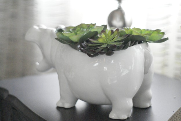 hippo-POT-o-mus at JunkinJunky.blogspot.com