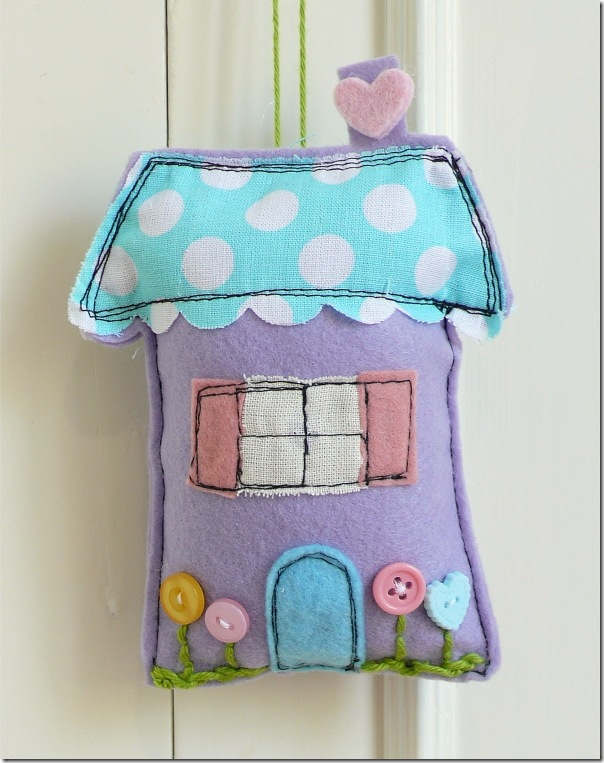 cafe creativo - sizzix big shot - sewing houses pincushion (3)