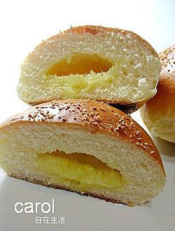 Carol 自在生活 : 奶酥麵包