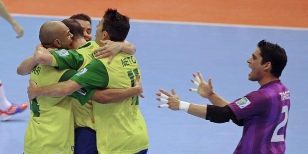 Hasil Piala Dunia Futsal Thailand 2012, Brasil dan Thailand Menang