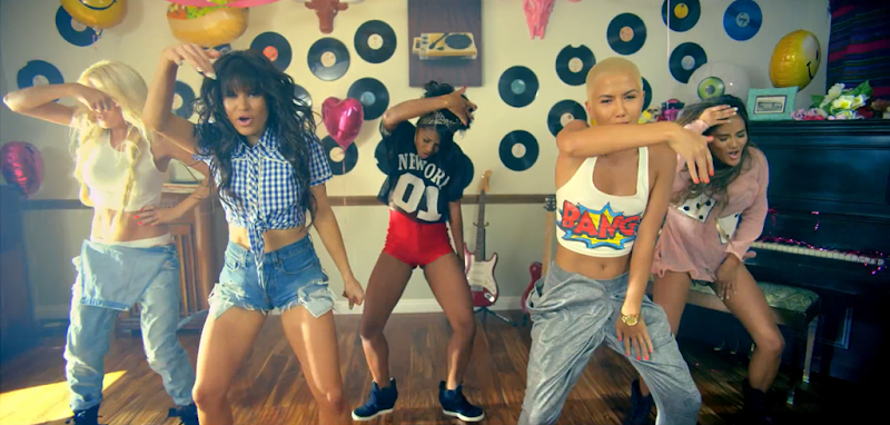 G.R.L. - Vacation - YouTube.mp4_snapshot_02.26_[2013.09.11_05.01.39]