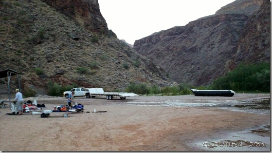 07 Setting up camp & breaking down S-rig Diamond Creek pullout Colorado River trip Hualapai Reservation AZ (1024x574)