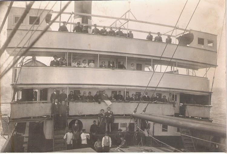Historica foto del puente del VALBANERA con los implicados en la tragedia. Foto Jaume Cifre Sanchez.jpg