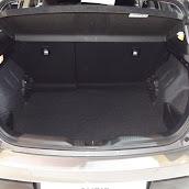 2013-Toyota-Auris-6.jpg