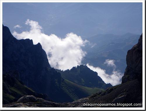 Jito Escarandi - Jierru 2424m - Lechugales 2444m - Grajal de Arriba y de Abajo (Picos de Europa) 0068