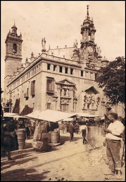 la plaza del mercado. Fotógrafo Esplugas. Ca. 1888