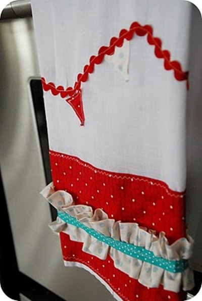 bunting dishtowel tutorial by tatertots and jello