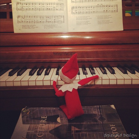 Elf on the Shelf playing the piano
