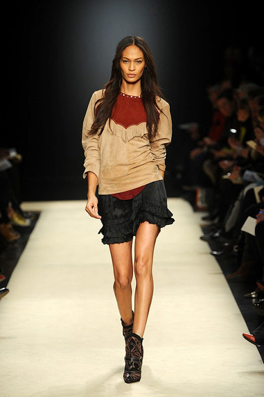 Isabel-marant-FALL-2012-RTW-podium-008_runway