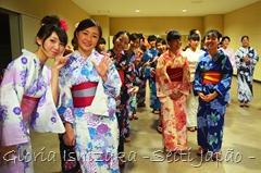 Gloria Ishizaka - kimono