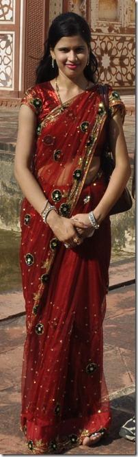 2013-07-14 agra 2 sikandra jeune femme en sari099r