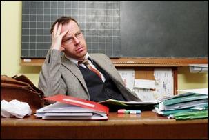 professor com excesso de trabalho