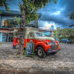 BUUURRIIITOOOOSSSS! by Reza Roedjito - Transportation Automobiles (  )