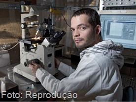 O biomédico brasileiro Alexander Birbrair, que faz pesquisa nos Estados Unidos