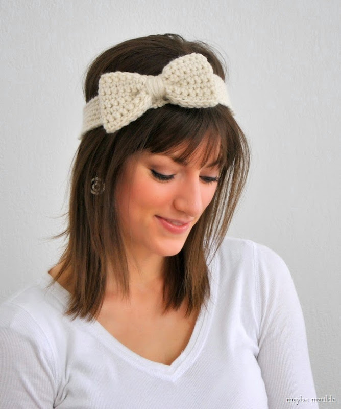 Get the free pattern to make this cute crochet bow headband! // www.maybematilda.com