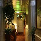 Les chambres pas cher (comme la notre) n'ont qu'une fenêtre qui donne sur le couloir ! Mais l'hotel était super, avec ambiance familiale, meubles d'époque, salles de bains au bout du couloir, et personnel super sympa.