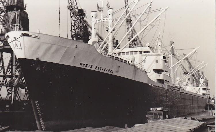 El MONTE PAGASARRI. Fotografo PWR. Puerto de Hull. Gran Bretaña. Fecha indeterminada. De la web Shipspotting.jpg