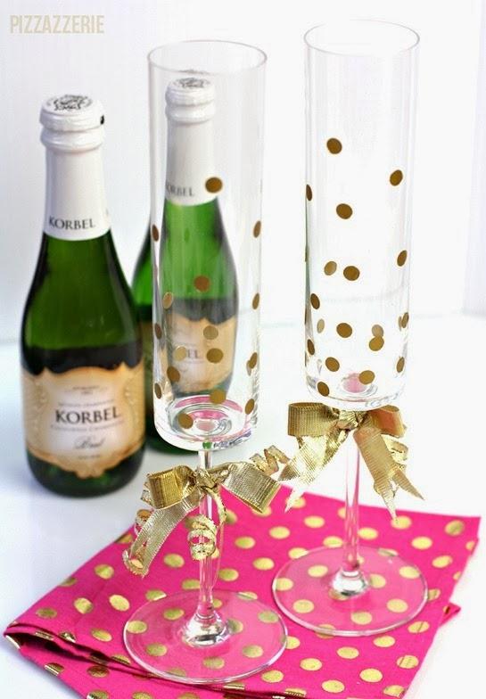 gold-dot-champagne-flutes