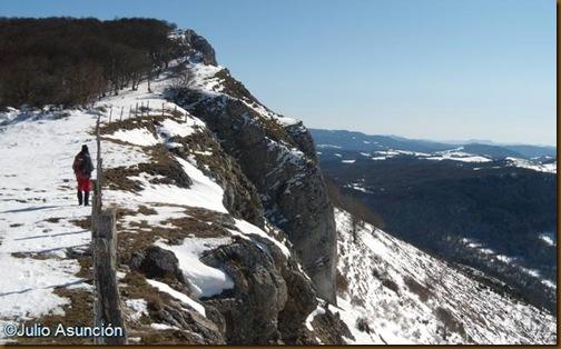 Camino a la cima del Berrendi - Valle de Aézkoa