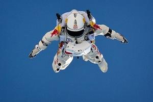 Baumgartner Red Bull Jump.jpg