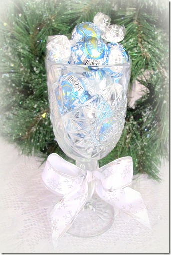 Goblet with candy