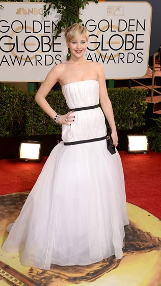 Nails at the Golden Globes - Jennifer Lawrence wearing Deborah Lippmann